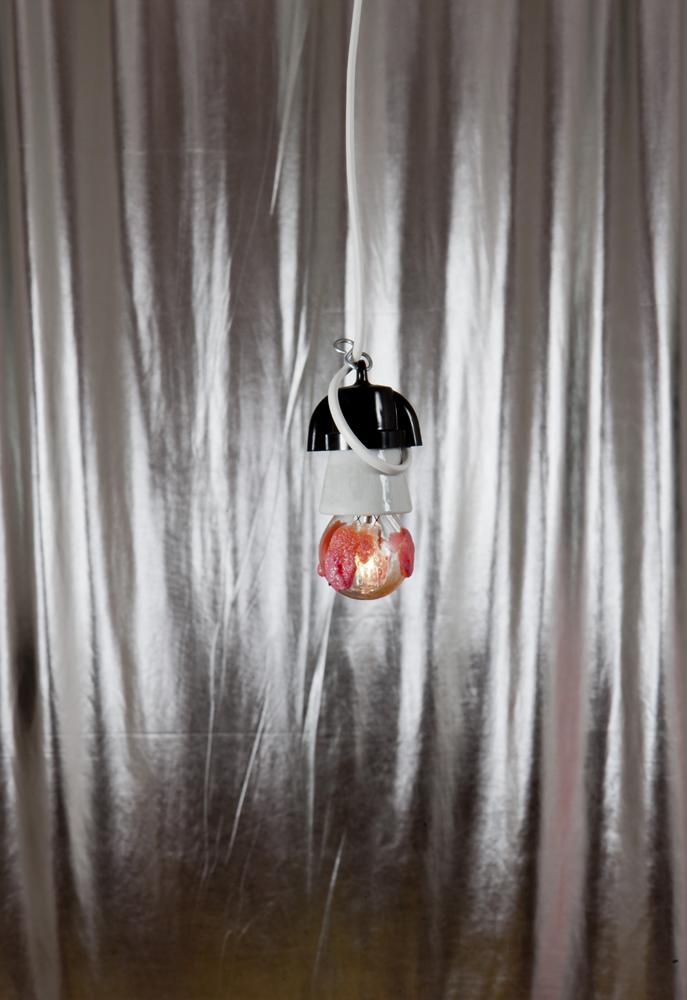 ukázky z instalace lightbulb-with-bubblegums